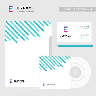Bedrijfsbrochureontwerp met lichtthema en e-embleemvector