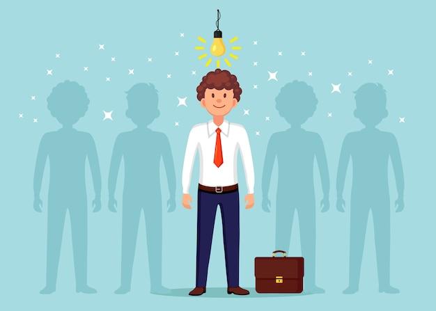 Bedrijfsmens met gloeilamp. creatief idee, innovatietechnologie, geniaal oplossingsconcept.