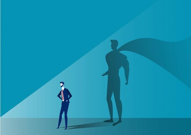 Bedrijfsmens met grote schaduwsuperhero op blauw