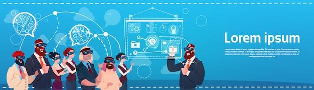 Bedrijfsmensengroep slijtage virtueel werkelijkheidsglazen digitaal interfacescherm presentatieseminarie