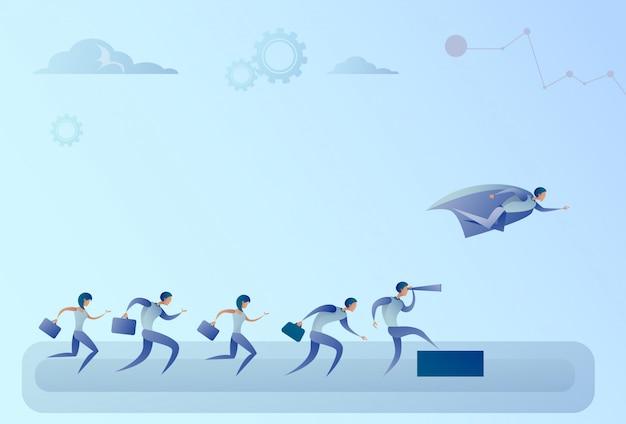 Bedrijfsmensenteam die met binoculair op zakenmanheld het vliegen concept van het leidersucces kijken