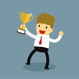 Bedrijfsmensholding winnende gouden trofee