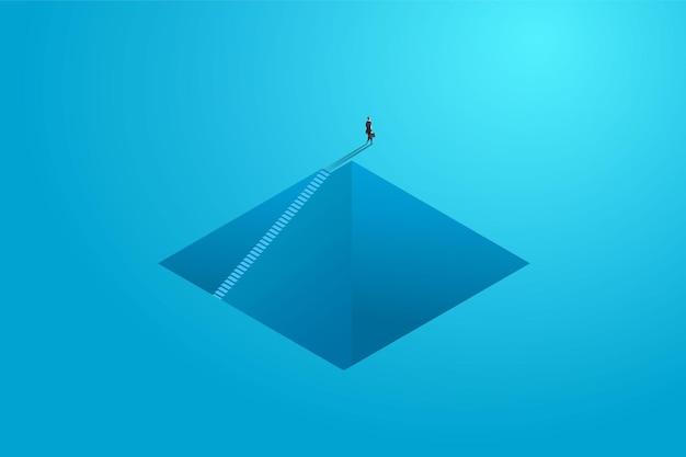 Bedrijfspersoon loopt pad ladder ledder op muur naar doel ambitie motivatie