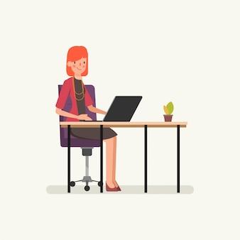 Bedrijfsvrouw die aan een laptop computer werkt.