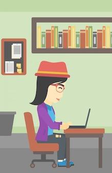 Bedrijfsvrouw die aan haar laptop werken.