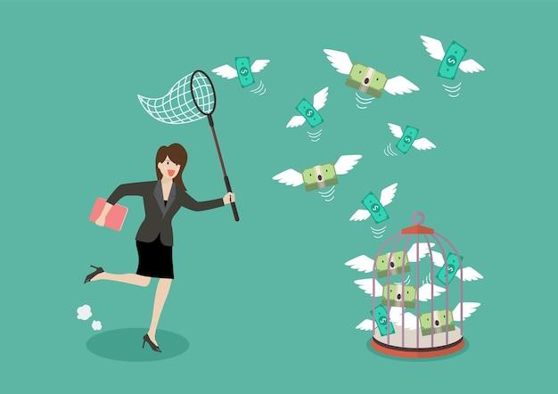 Bedrijfsvrouw die vliegend geld in vogelkooi probeert te vangen