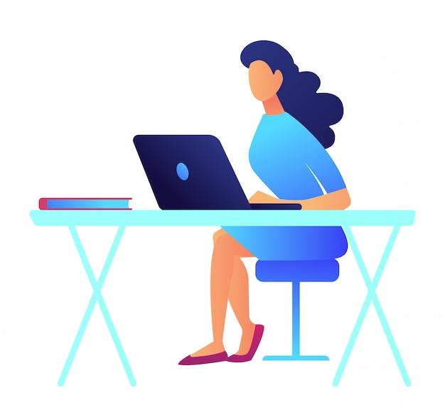 Bedrijfsvrouw met donker haar die aan laptop vectorillustratie werken.