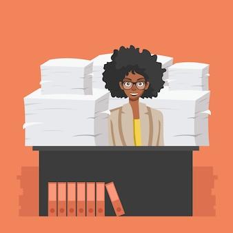 Bedrijfsvrouw met stapel van bureaudocumenten