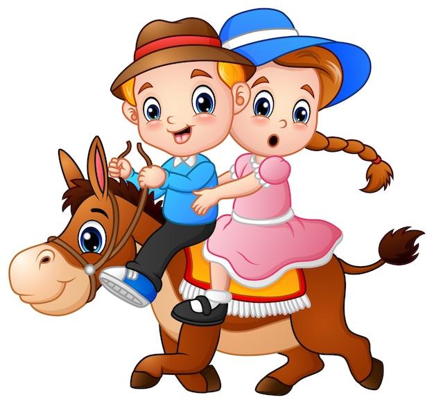 Beeldverhaaljongen en meisje die een paard berijden