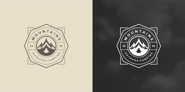 Berg camping logo embleem buiten landschap vector illustratie rock heuvels silhouet voor shirt of print stempel. vintage typografie badge ontwerp.