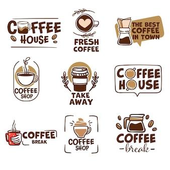 Beste koffie in de stad, café of winkel emblemen en logo's met kopjes aromatische drank om mee te nemen