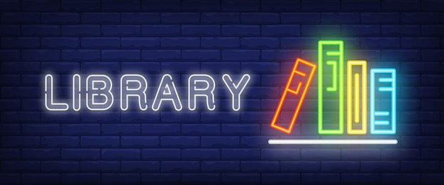Bibliotheekneontekst en boeken op plank