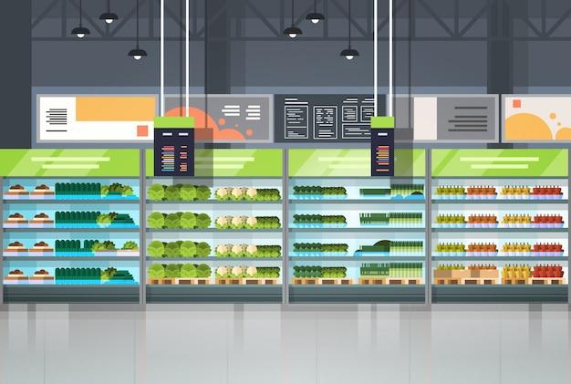 Binnenland van kruidenierswinkelwinkel of supermarkt met het winkelconcept van plankenrijen het winkelen