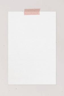 Blanco papier met washi-tapesjabloon