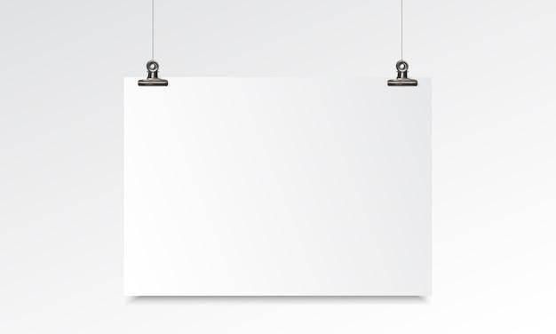 Blanco papier realistische mockup met ophanging en binder clip