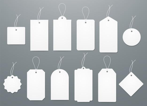 Blanco wit papier etiketten in verschillende vormen.