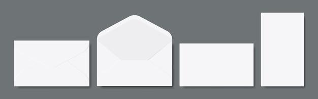 Blank open en gesloten enveloppen.