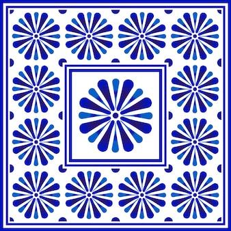 Blauw en wit bloemmotief, chinees en japans porselein decoratief, keramisch naadloos plafondontwerp, groot bloemelement in midden is kader, mooi tegelontwerp