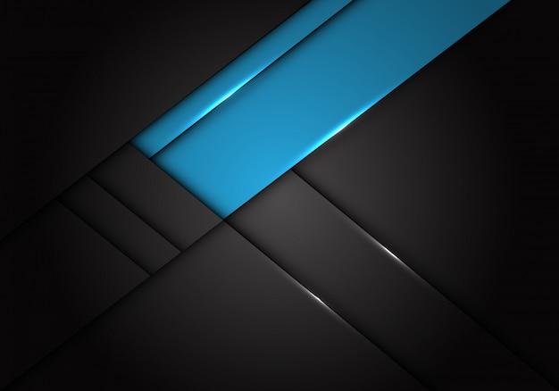 Blauw label overlapping op donkergrijze metallic achtergrond.