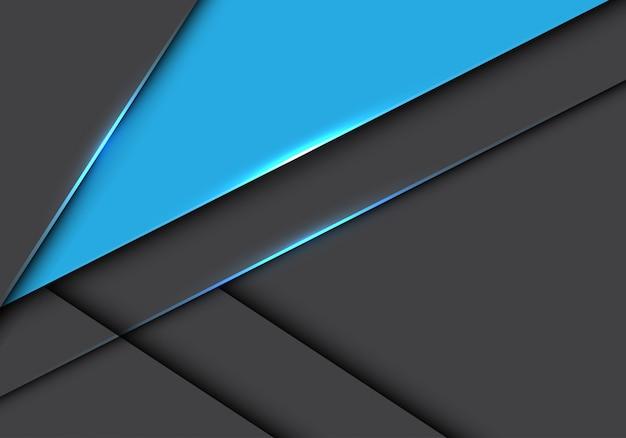Blauwe driehoek op grijze metalen overlapping futuristische achtergrond.