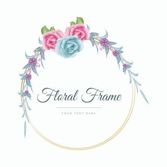 Blauwe en roze kleur roze aquarel bloemenkrans met gouden frame