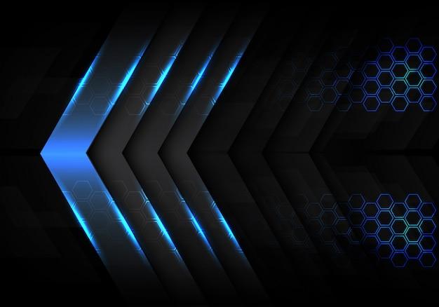 Blauwe metalen lichte pijl richting zeshoek achtergrond.