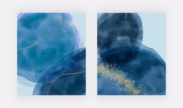 Blauwe penseelstreek aquarel textuur instellen met gouden lijnen en confetti