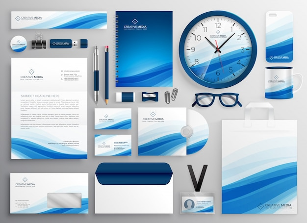 Blauwe zakelijke briefpapier instellen voor uw merkidentiteit