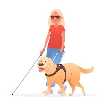 Blinde vrouw op een wandeling met een geleidehond op een witte achtergrond mensen met een handicap