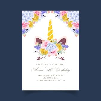 Bloemen kinder verjaardagsuitnodiging met schattige eenhoorn