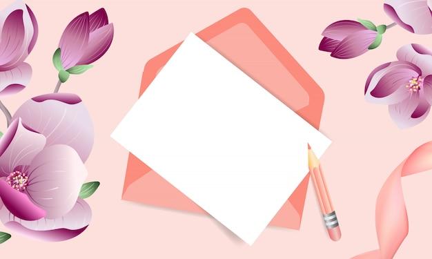 Bloemen roze wenskaart met envelop en magnolia