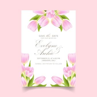Bloemenhuwelijksuitnodiging met roze tulpenbloem