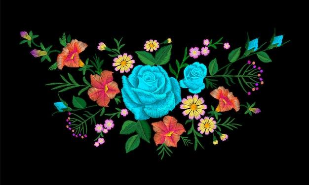 Bloemstuk met blauwe, blauwe roos en borduurwerk. vintage victoriaanse bloem ornament mode textiel decoratie. steek textuur vector illustratie