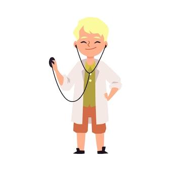 Blond kind jongen stripfiguur spelen van een arts, platte vectorillustratie geïsoleerd op een wit oppervlak