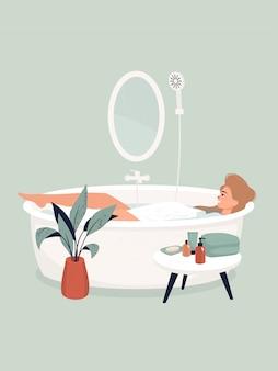 Blondevrouw die een bad nemen door een ingemaakte installatie en een lijst met shampoos en handdoeken.