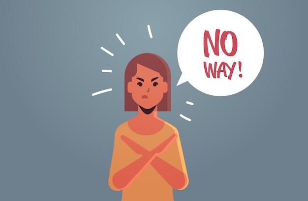 Boos ongelukkig vrouw zegt geen manier toespraak ballon zonder schreeuw uitroep negatie concept woedend meisje met gekruiste armen gebaar plat portret horizontaal