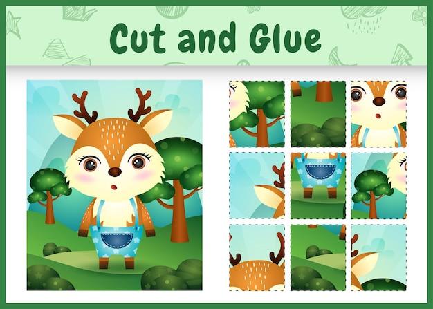 Bordspel voor kinderen knippen en lijmen met een schattig hert met broek