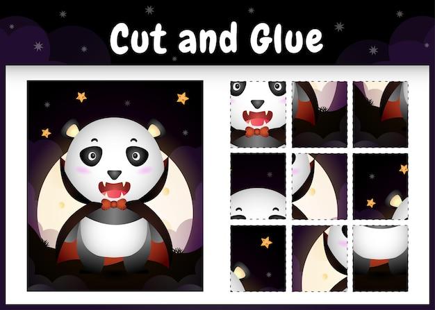 Bordspel voor kinderen knippen en lijmen met een schattige panda met halloween dracula-kostuum