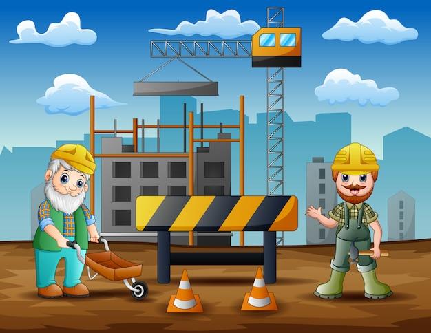 Bouwvakker bij bouwwerfachtergrond