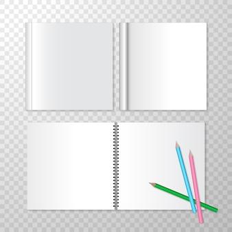 Bovenaanzicht geopende notitieblokken op spiraalsgewijs en vierkant gesloten boek