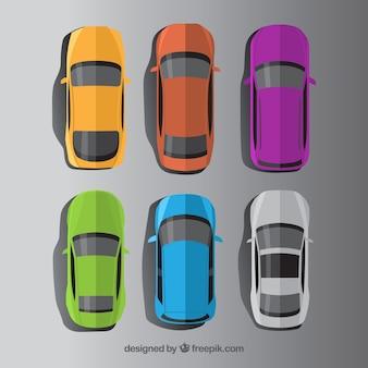 Bovenaanzicht van creatieve platte auto's