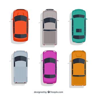 Bovenaanzicht van zes verschillende auto's