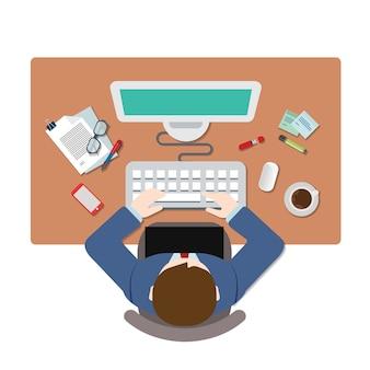 Bovenaanzicht zakenman computer werkplek. mensen uit het bedrijfsleven creatief team platte tafel weergave concept. website creatieve mensen conceptuele collectie.