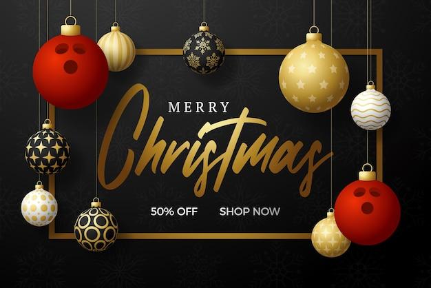 Bowlen kerstkaart. merry christmas sport wenskaart. hang op een draad bowlingbal als een kerstbal en gouden snuisterij op zwarte horizontale achtergrond. sport vectorillustratie.