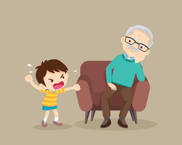 Boze jongen scheldt verdrietige bejaarde uit agressief kind schreeuwt tegen een bange oudere man