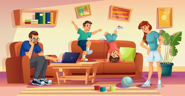 Boze moeder, geërgerde vader, stoute kinderen thuis. man freelancer probeert online te werken op laptop. vrouw die kinderen uitscheldt voor puinhoop in de woonkamer. rowdy jongens springen op de bank. slecht gedrag van kinderen