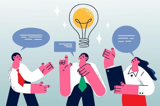 Brainstorm, creatieve ideeën in bedrijfsconcept. jonge lachende zakenmensen stripfiguren die staan te praten over een zakelijk project op kantoor met geweldige ideeën in gedachten vectorillustratie