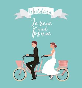Bruid en bruidegom op tandem fiets trouwdag