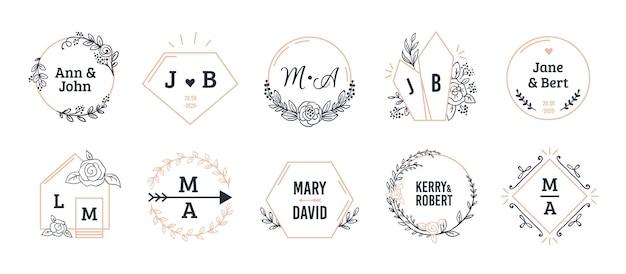 Bruiloft monogrammen. boheemse hand getrokken bloemen- en veelhoekige elementen.