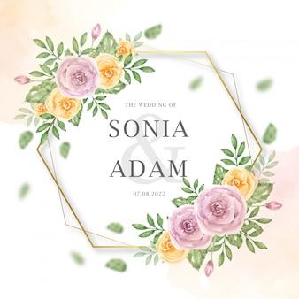 Bruiloft uitnodiging kaartsjabloon met perzik roze bloemen zeshoekige aquarel